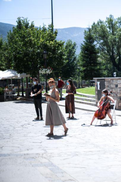 """""""La poetisa en un pueblo"""", de Carolina Coronado: Judith (cello), Gabriel (voz), Marina (actuación), Pablo (voz) y Gema (voz)."""